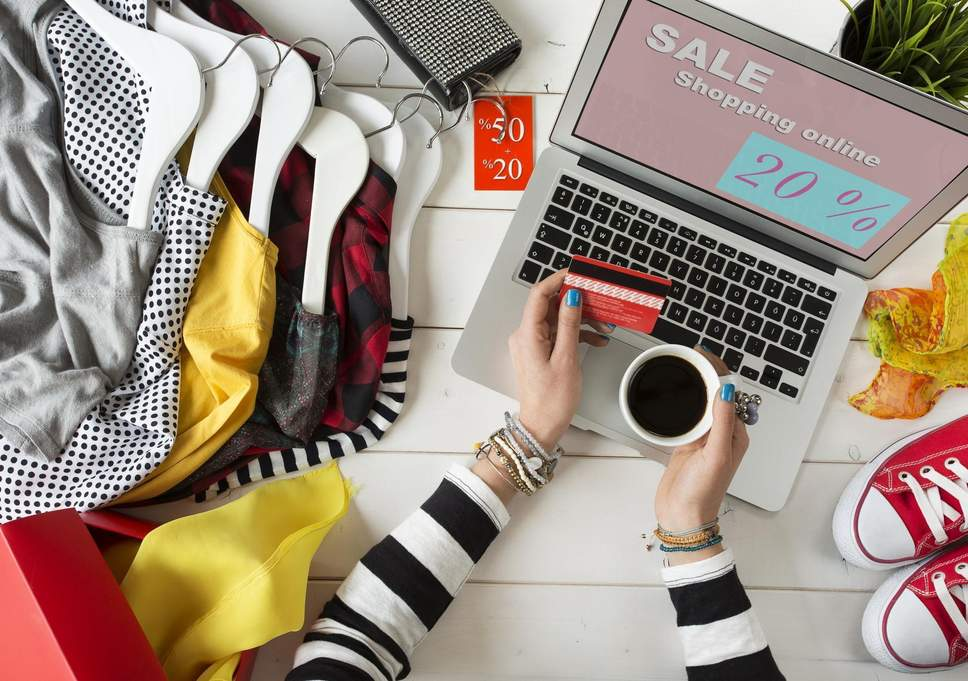 Shopping Online for Clothing: 5 Advantages